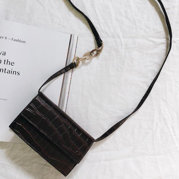 The Exhibitionist Shoulder Bag // Brown