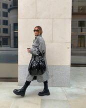 bag,black bag,black boots,tight,midi dress,shirt dress