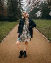 dress,mini dress,palm tree print,floral dress,long sleeve dress,h&m,denim jacket,black jacket,black boots,DrMartens