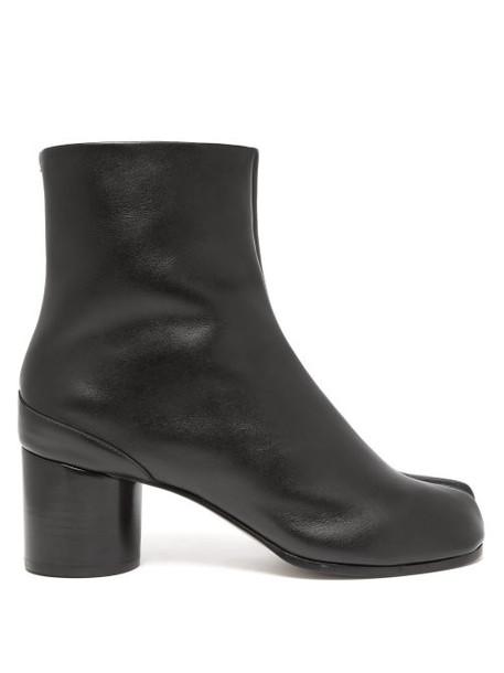 Maison Margiela - Tabi Split Toe Leather Ankle Boots - Womens - Black