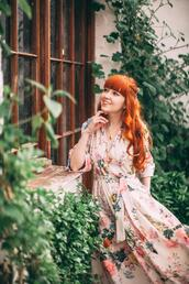 the clothes,blogger,jewels,dress,bag,floral dress,spring outfits,spring dress
