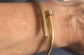 jewels,gold bracelet
