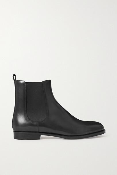 Manolo Blahnik - Leather Chelsea Boots - Black