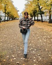 sweater,turtleneck sweater,straight jeans,black boots,black bag