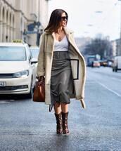 skirt,plaid skirt,midi skirt,high waisted skirt,zara,brown boots,brown bag,teddy bear coat,white t-shirt,v neck,sunglasses