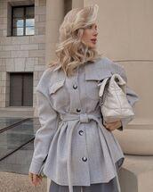 coat,oversized shirt