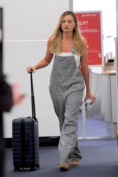 jumpsuit,stripes,pants,overalls,margot robbie,celebrity,spring outfits