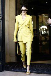 coat,kendall jenner,streetstyle,streetwear,women's suit,suit,yellow