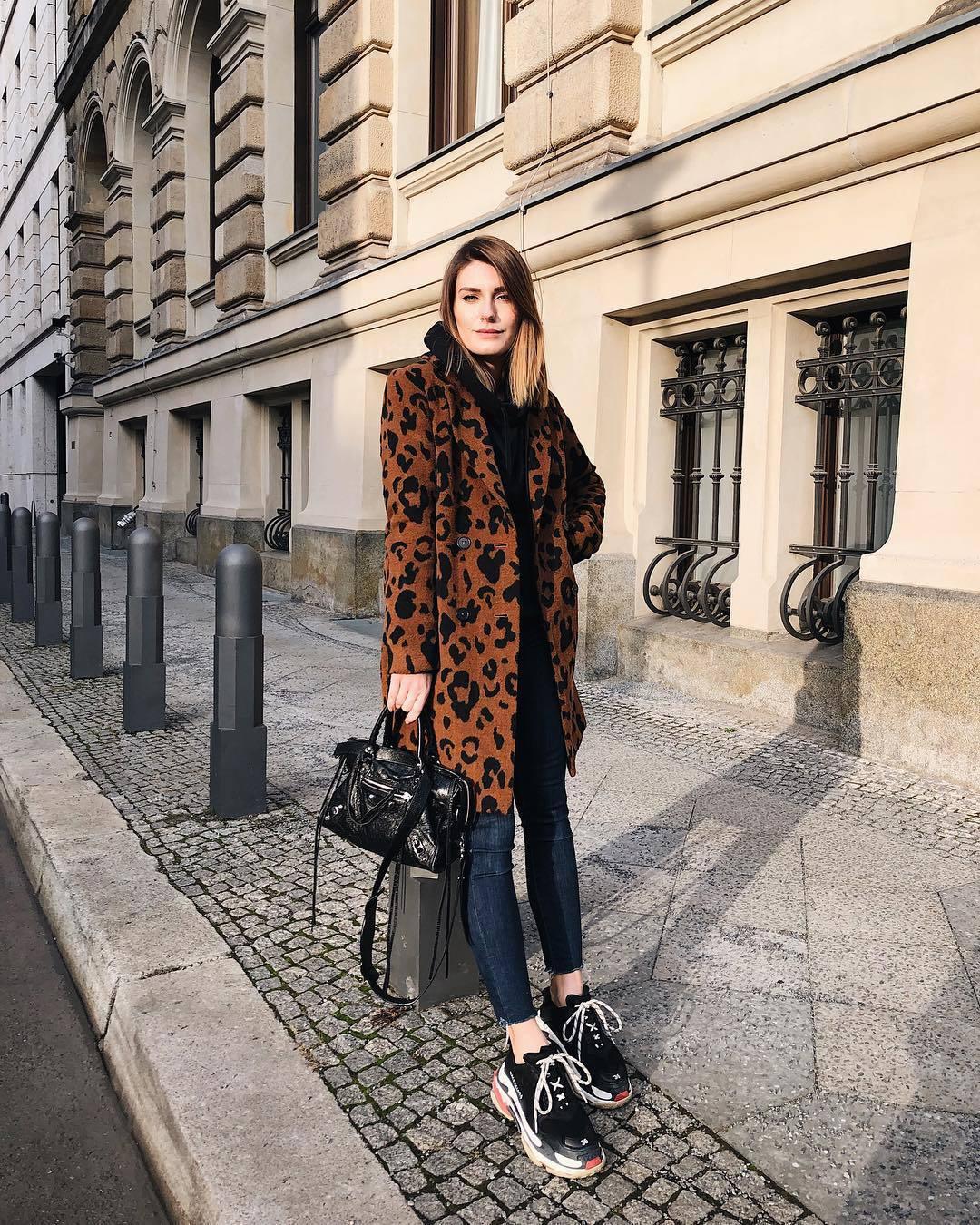 bag black bag balenciaga black sneakers skinny jeans leopard print coat black hoodie