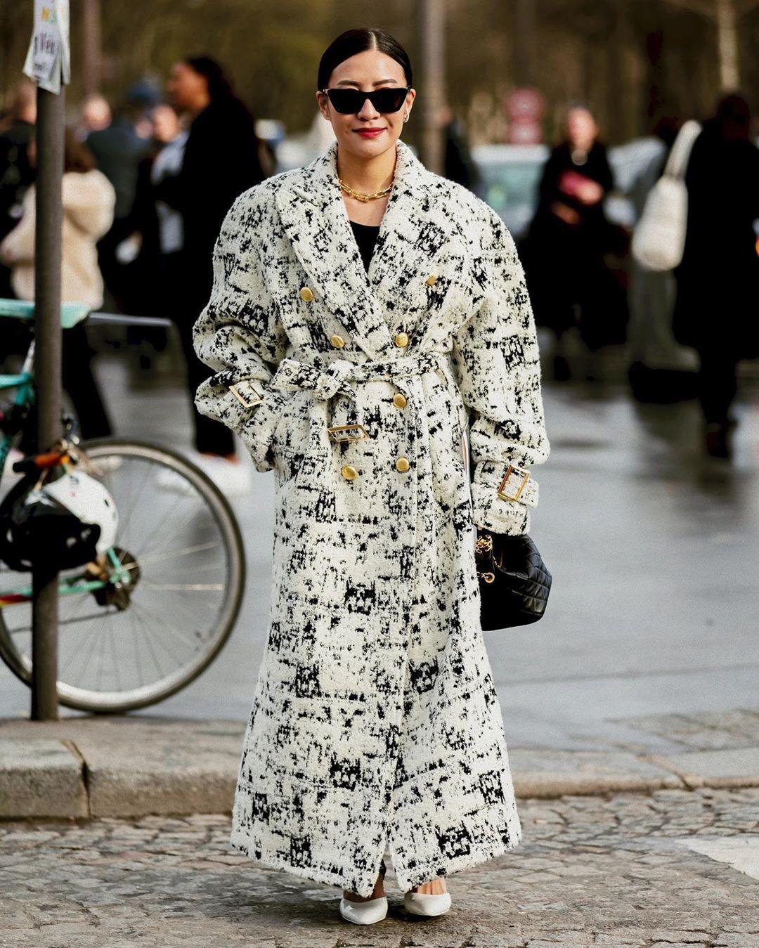 coat long coat white coat double breasted pumps black bag