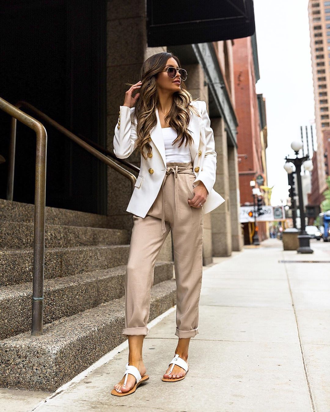 pants high waisted pants pleated flat sandals white blazer white top