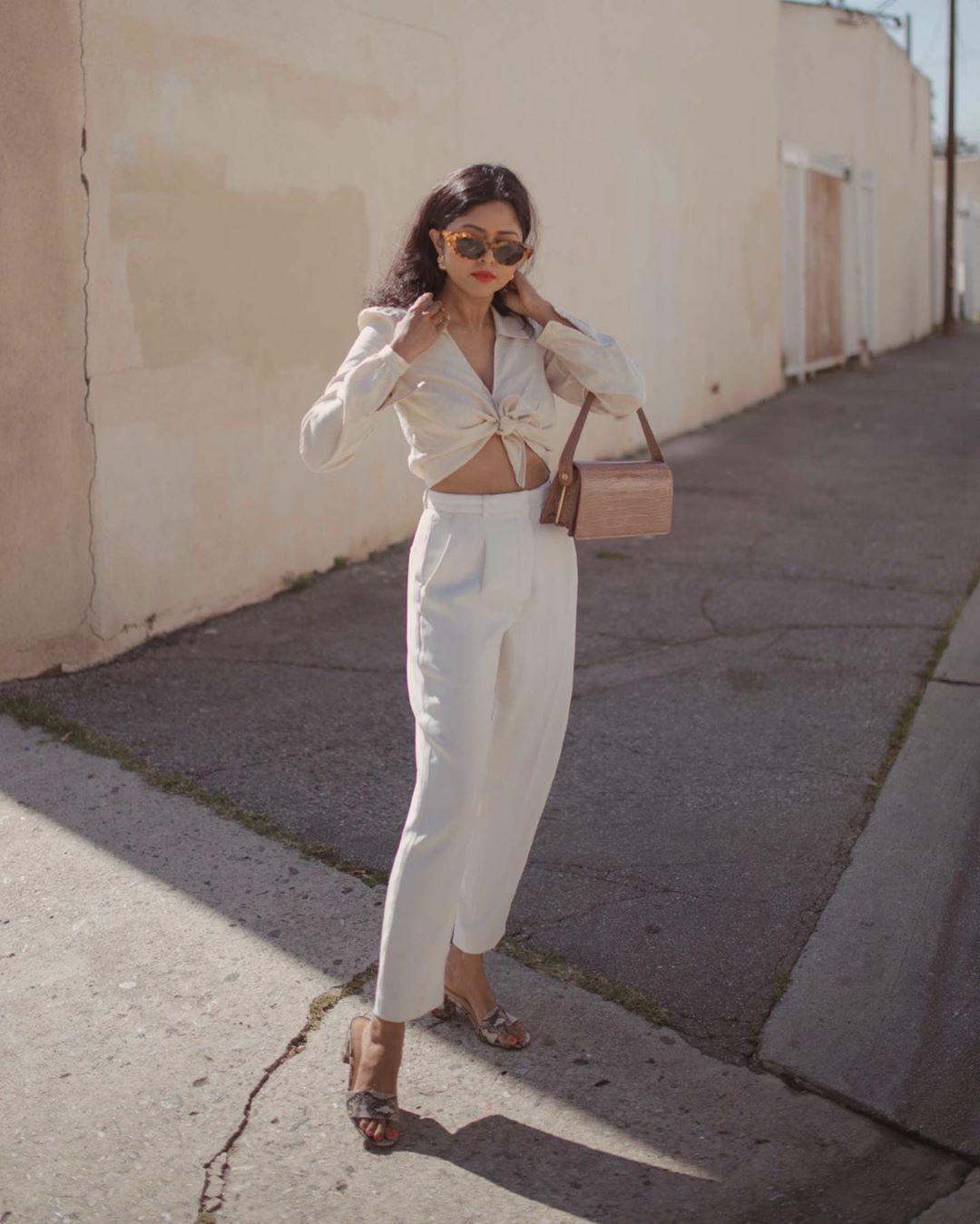 pants high waisted pants white pants pleated sandals shirt bag