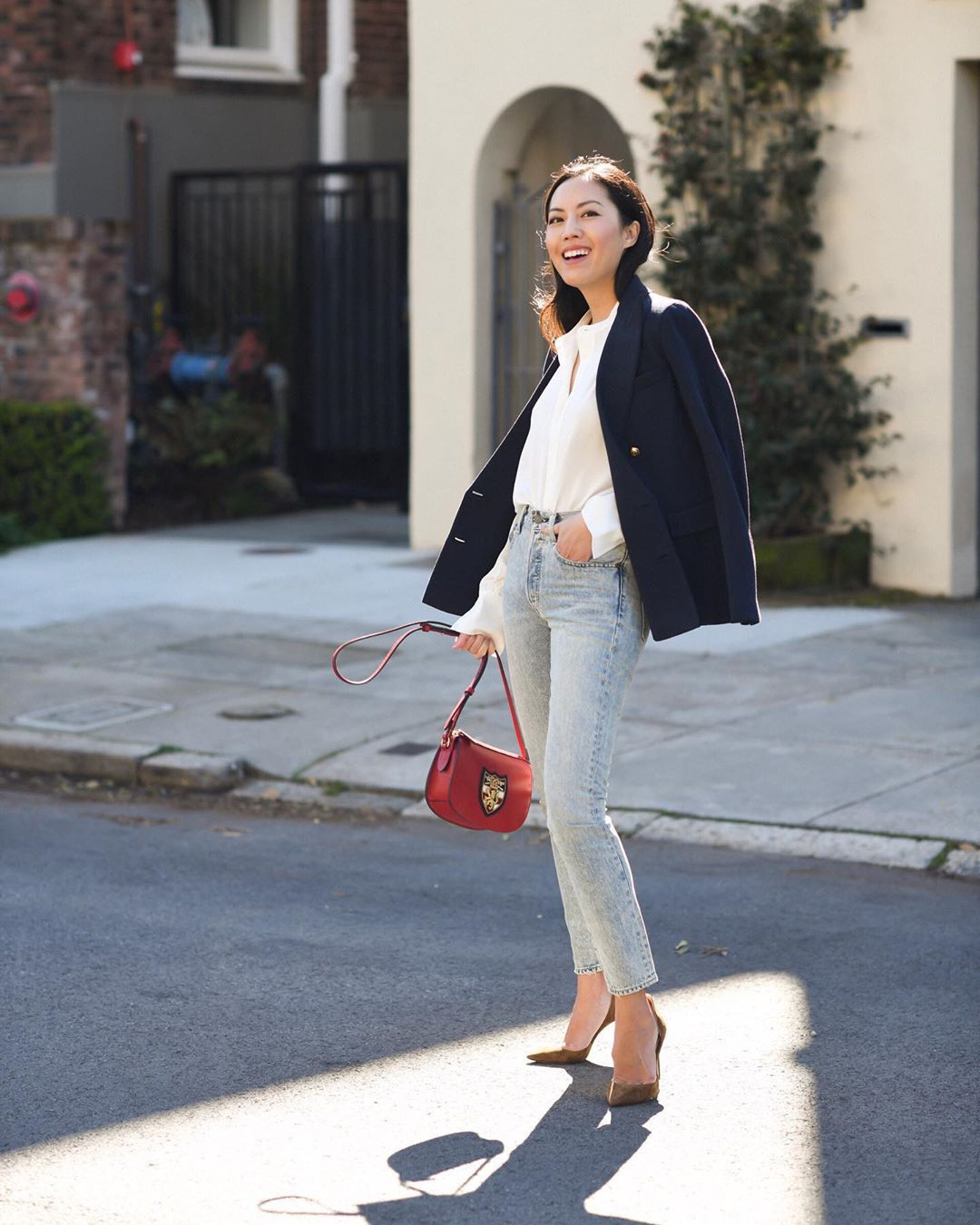 jeans skinny jeans high waisted jeans pumps coachella red bag white blouse