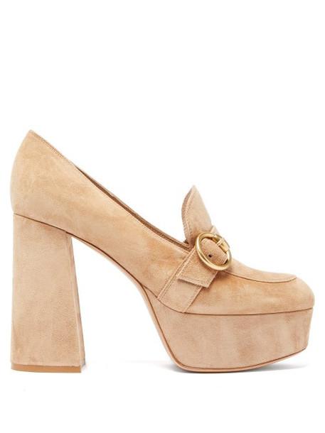 Gianvito Rossi - Loafer-style Suede Platform Pumps - Womens - Beige