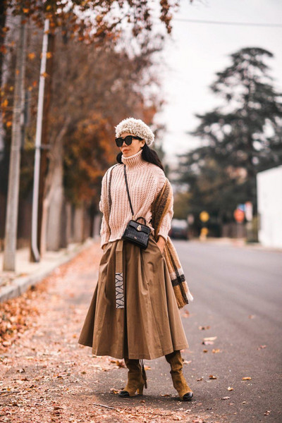 hallie daily blogger skirt sweater bag shoes sunglasses scarf midi skirt knitted sweater winter outfits beret