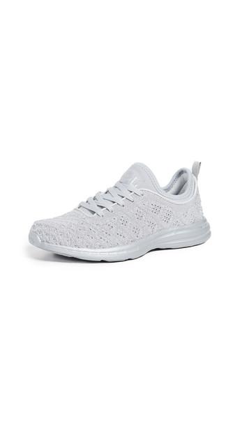 APL: Athletic Propulsion Labs TechLoom Phantom Sneakers in metallic / silver