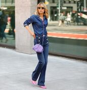 jeans,flare jeans,high waisted jeans,pumps,denim shirt,crossbody bag