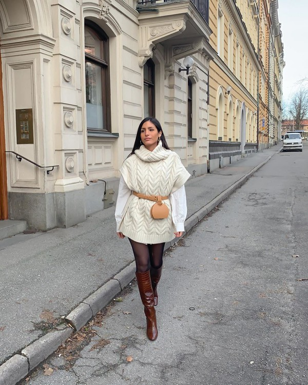 shoes knee high boots brown boots tights white shirt turtleneck sweater white sneakers belt bag