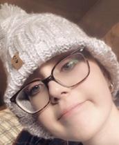 hat,grey beanie,pom pom beanie