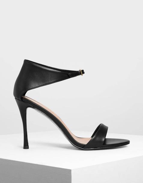 Front Buckle Heels in black