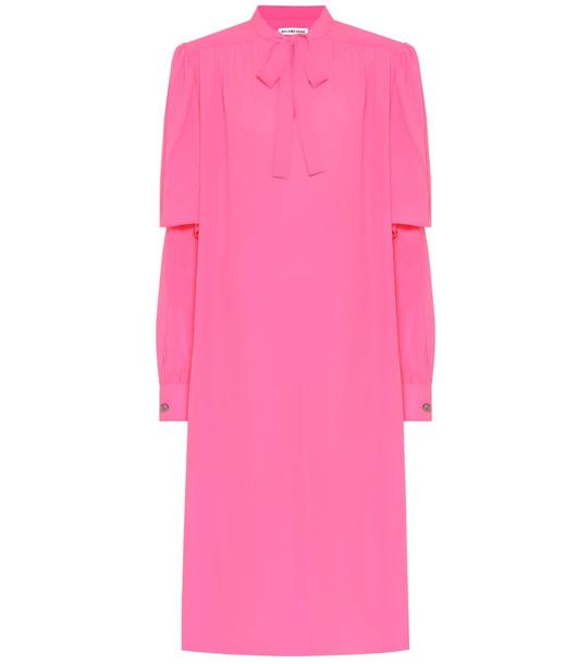 Balenciaga Crêpe midi dress in pink