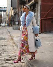 dress,midi dress,pumps,long coat,fur,blue coat,blue bag,headband