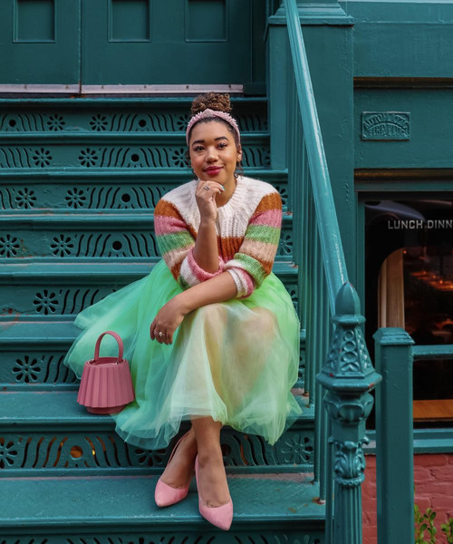 colormecourtney blogger sweater skirt shoes bag spring outfits pink heels pink bag green skirt