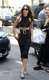 top,crop tops,midi skirt,black,black top,black skirt,emily ratajkowski,model off-duty,sandal heels,high waisted