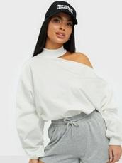 sweater,neck,white,asymmetrical
