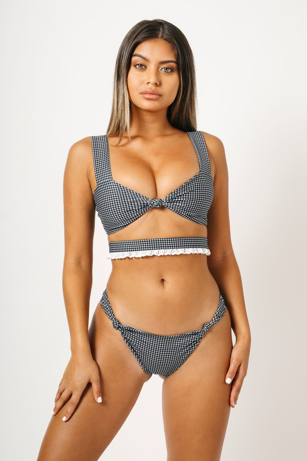 kaohs swimwear ishine365 shop ishine365 black and white bikini eyelet detail knot detail sofia jamora checkered cut out bikini top bikini celebrity swimwear