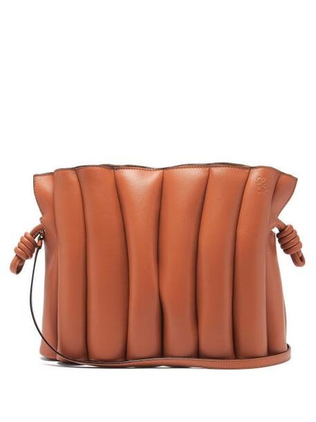 Loewe - Flamenco Ondas Leather Cross-body Bag - Womens - Tan