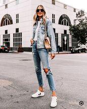 jacket,denim jacket,white sneakers,ripped jeans,sweatshirt,bag