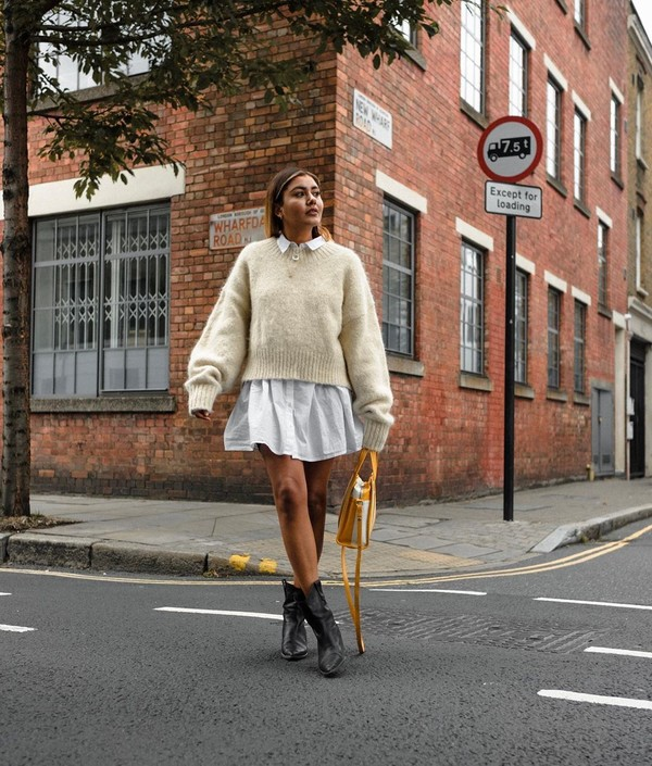 sweater oversized sweater white shirt shirt dress ankle boots black boots handbag
