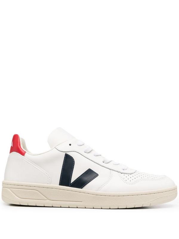 Veja V10 low-top sneakers in white