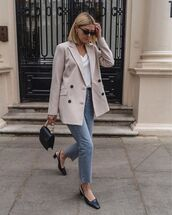 jacket,blazer,double breasted,slingbacks,black bag,cropped jeans,straight jeans,high waisted jeans,white t-shirt
