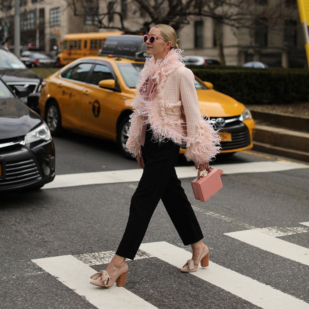 jacket cropped jacket pink jacket marc jacobs pumps straight pants black pants handbag pink bag
