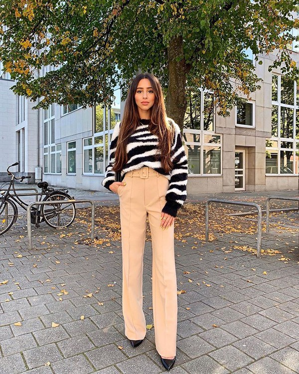 pants high waisted pants wide-leg pants black shoes sweater zebra zebra print