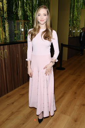shoes,amanda seyfried,midi dress,pink dress,long sleeve dress,celebrity