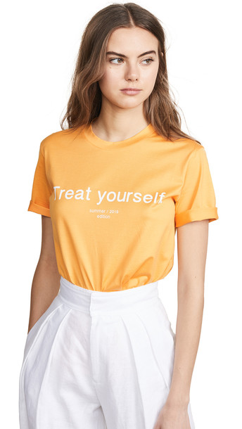 Edition10 Treat Yourself T-Shirt in yellow