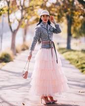 skirt,midi skirt,maxi skirt,tulle skirt,pink heels,pumps,pink bag,belt,grey blazer,turtleneck,hat