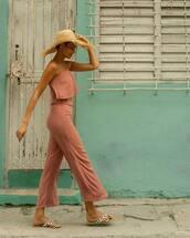 top,pink top