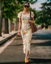 dress,midi dress,floral dress,short sleeve dress,slide shoes,shoulder bag,brown bag