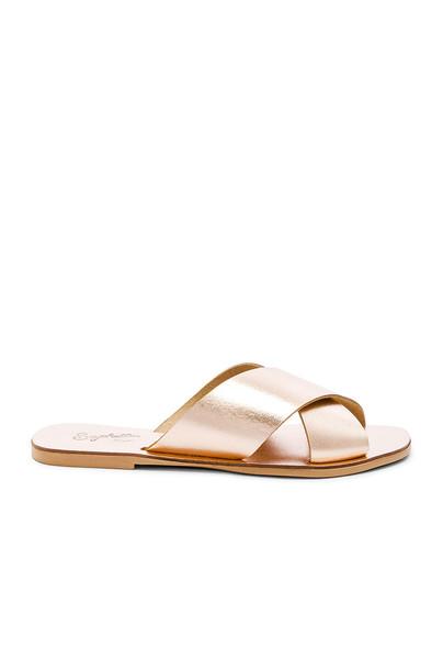 Seychelles Total Relaxation Sandal in metallic / copper