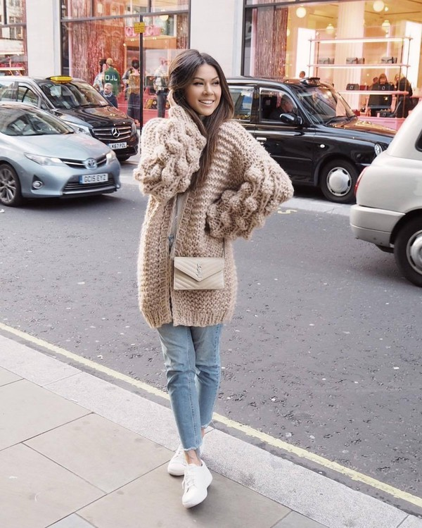 sweater knitted cardigan white sneakers cropped jeans white t-shirt crossbody bag ysl bag