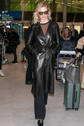 coat,leather,leather coat,karlie kloss,model off-duty,streetstyle