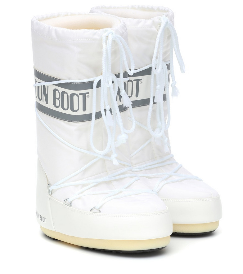 Moon Boot Nylon snow boots in white
