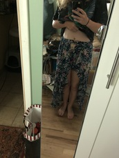 shorts,flowered shorts,floral
