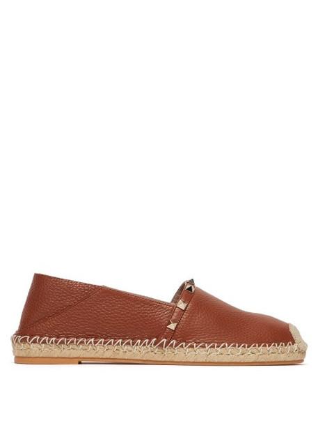 Valentino - Rockstud Collapsible Heel Leather Espadrille Flats - Womens - Dark Tan