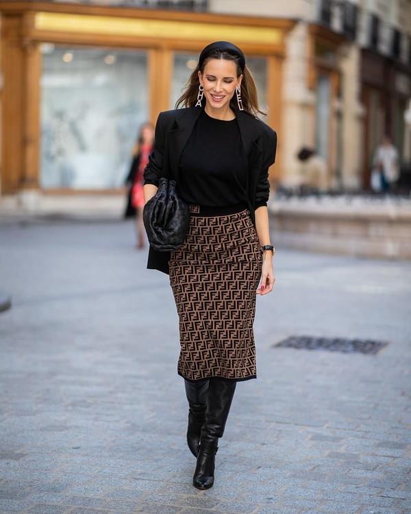 skirt midi skirt fendi knee high boots black blazer blazer black bag