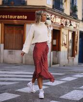 skirt,midi skirt,red skirt,polka dots,converse,white sweater,turtleneck sweater